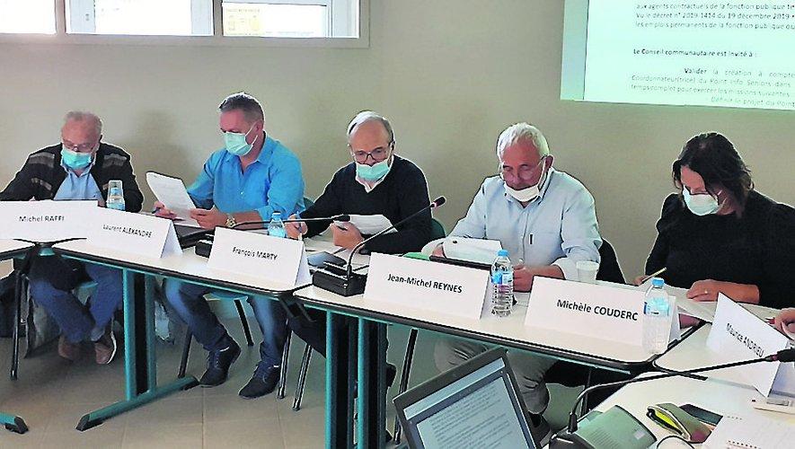 François Marty, président, entouré de Michel raffi, Laurent Alexandre, Jean-Michel Reynès et Michèle Couderc, vice-présidents.